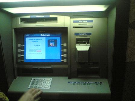 El cajero automatico ideas compartidas for Cajeros santander para ingresar dinero